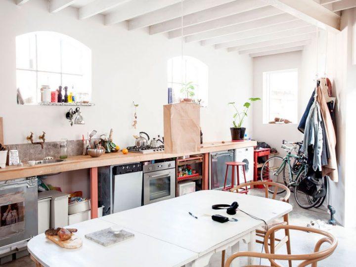 Reforma Low Cost: de un antiguo establo a un moderno apartamento en el centro de Londres.